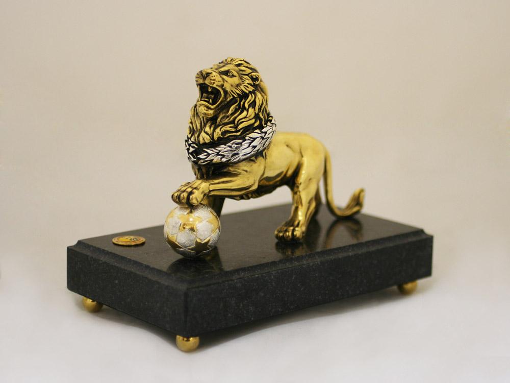 Какие подарки дарят львам 65